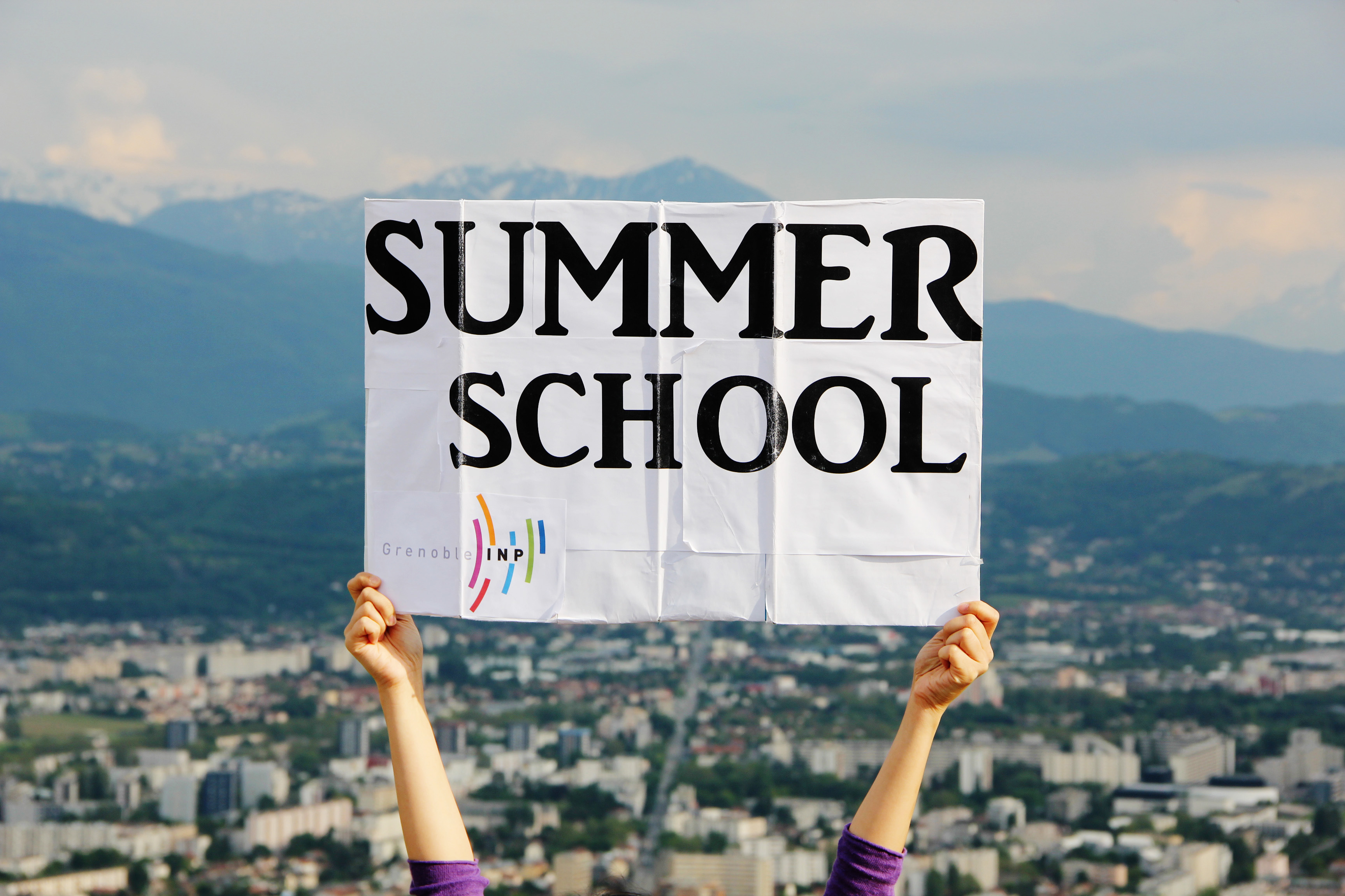 summer college essay programs